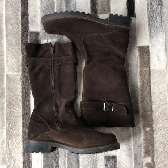 cb57a24ec761 Maxine of Canada Shoes - Maxine of Canada brown suede boots - size 7.5